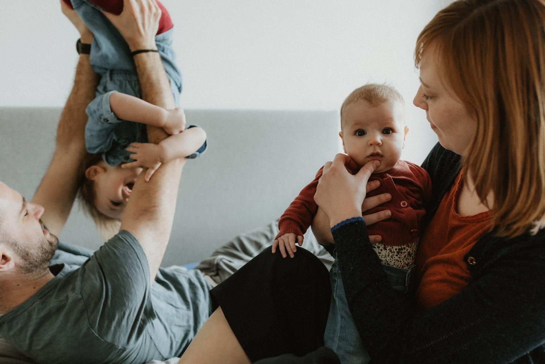 Gezinsfotografie van Annen spontane gezinsfoto's, documentaire fotoshoot, gezinsportret, gezinsfotografie, spontane familiefoto's